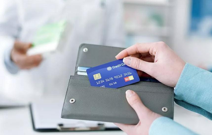 Реально ли безработному получить кредитную карточку?