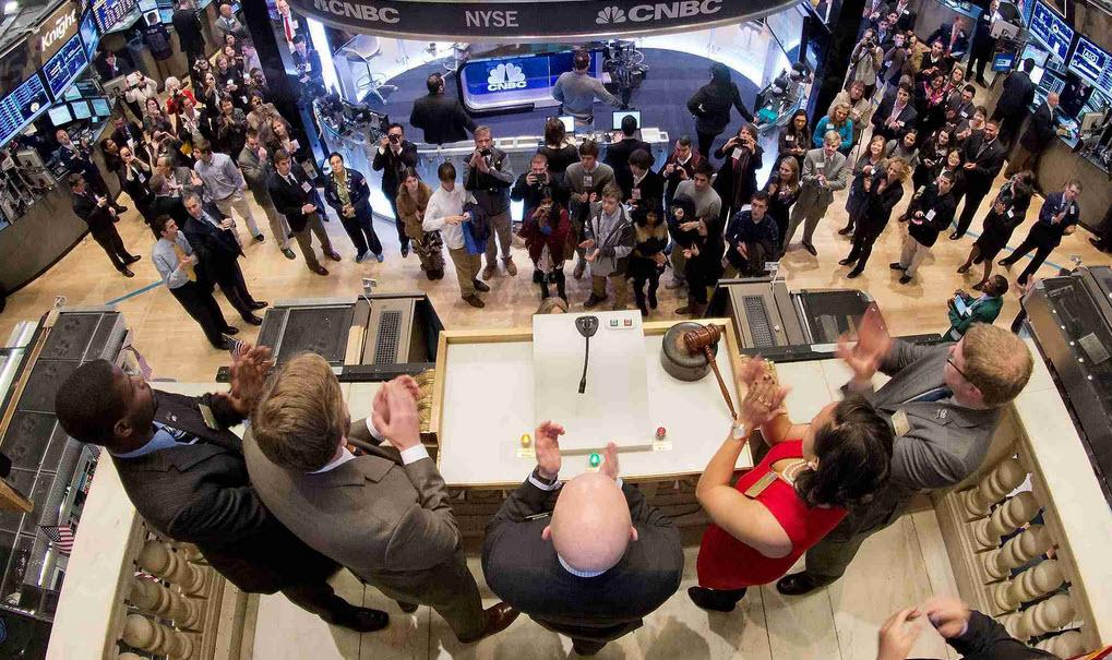 Что такое фондовая биржа и как она работает